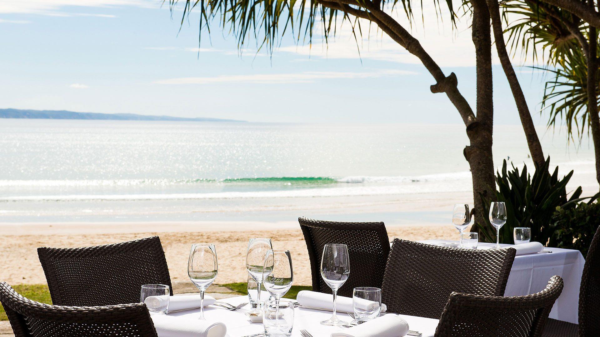 Noosa-Beachfront-Restaurant-Noosa-Beach-S02